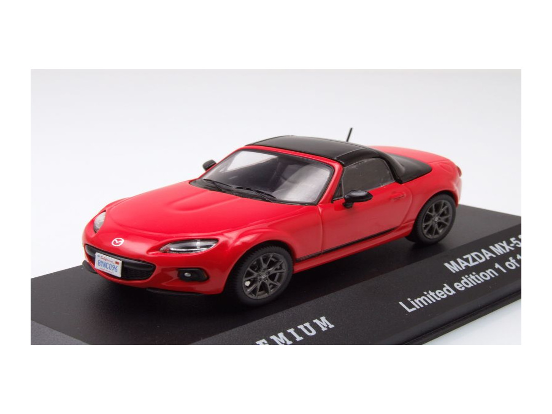 mazda mx 5 cabrio geschlossen 2013 rot modellauto 1 43. Black Bedroom Furniture Sets. Home Design Ideas