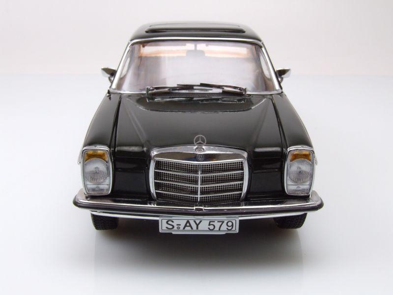 Mercedes //8 Strichachter W115 Limousine 1968 blau Modellauto 1:18 Sun Star