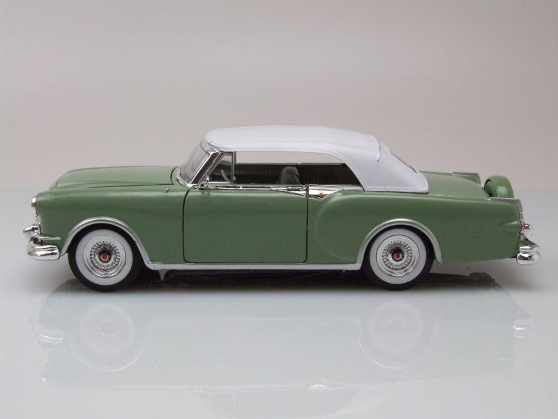Packard Caribbean Cabrio geschlossen 1953 grün weiß Modellauto 1:24 Welly