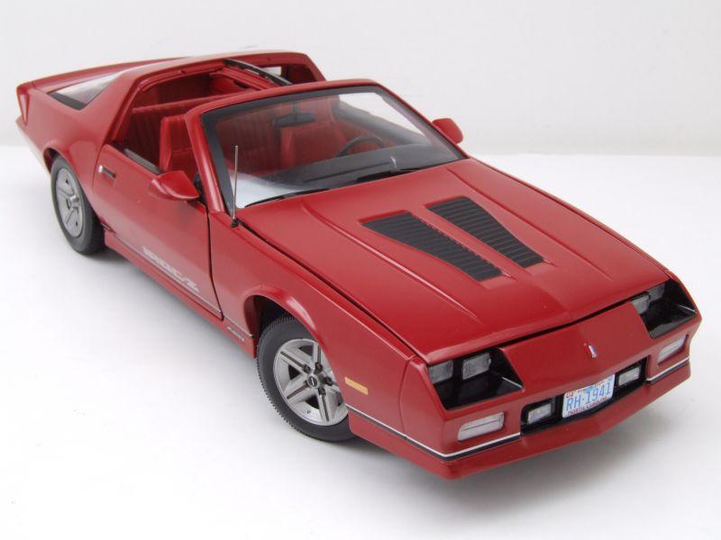 chevrolet camaro iroc z 1985 rot modellauto 1 18 sun. Black Bedroom Furniture Sets. Home Design Ideas
