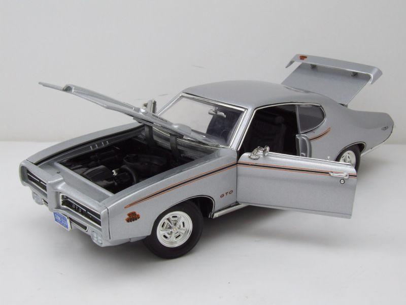 pontiac gto judge 1969 silber modellauto 1 18 motormax 39 95. Black Bedroom Furniture Sets. Home Design Ideas