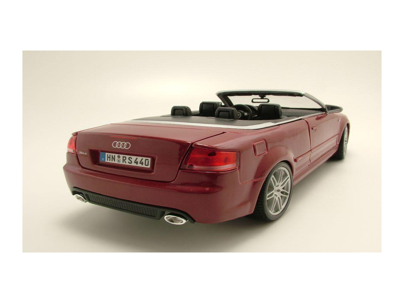 audi rs4 cabrio dunkelrot metallic modellauto 1 18. Black Bedroom Furniture Sets. Home Design Ideas