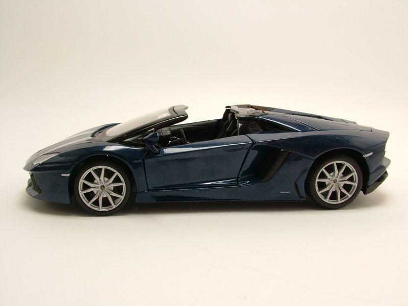 lamborghini aventador lp700 4 roadster blau metallic. Black Bedroom Furniture Sets. Home Design Ideas