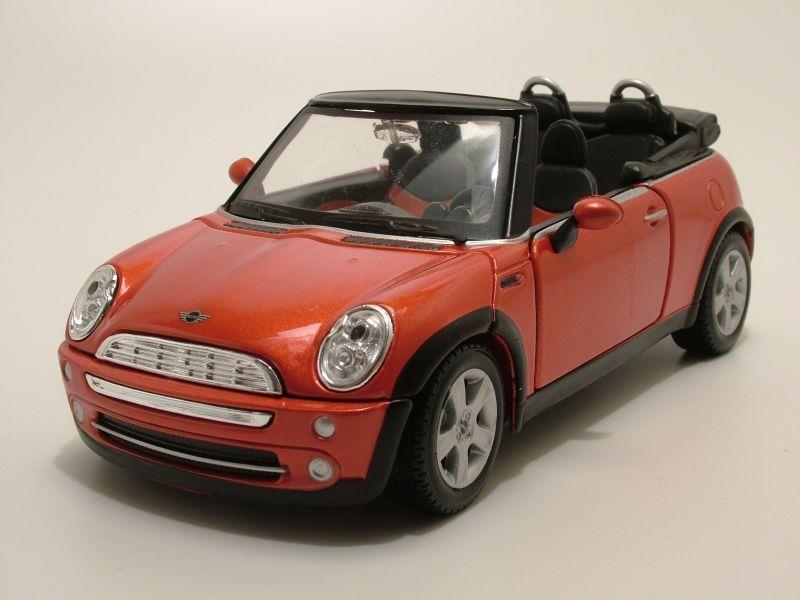 bmw mini cooper cabrio 2004 bronze metallic modellauto 1. Black Bedroom Furniture Sets. Home Design Ideas