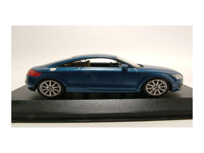 audi tt 2006 blau metallic modellauto 1 43 minichamps. Black Bedroom Furniture Sets. Home Design Ideas