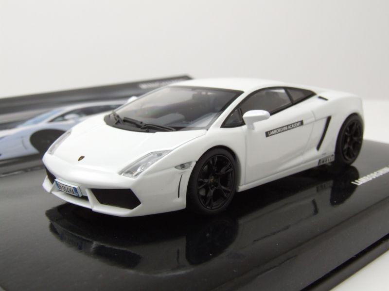 Lamborghini Gallardo LP560-4 Spyder 1//43 1:43 Modell Modellauto Minichamps