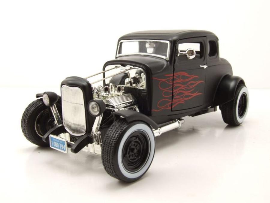 ford coupe 1932 hot rod matt schwarz mit flammen. Black Bedroom Furniture Sets. Home Design Ideas