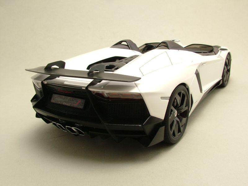 lamborghini aventador j 2012 wei modellauto 1 18. Black Bedroom Furniture Sets. Home Design Ideas